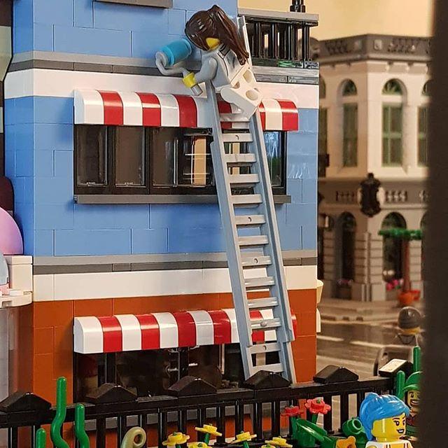 """Reposted from @snakeoiluk_lego - """"Missed a bit"""", said everyone who passed him that morning#Lego #legostagram #lovelego #afol #legomoc #legomocuk #legomyowncreation #legocity #legocitylife #legophotography #legopics #legofun #legopark #legodeli #legodecorator"""