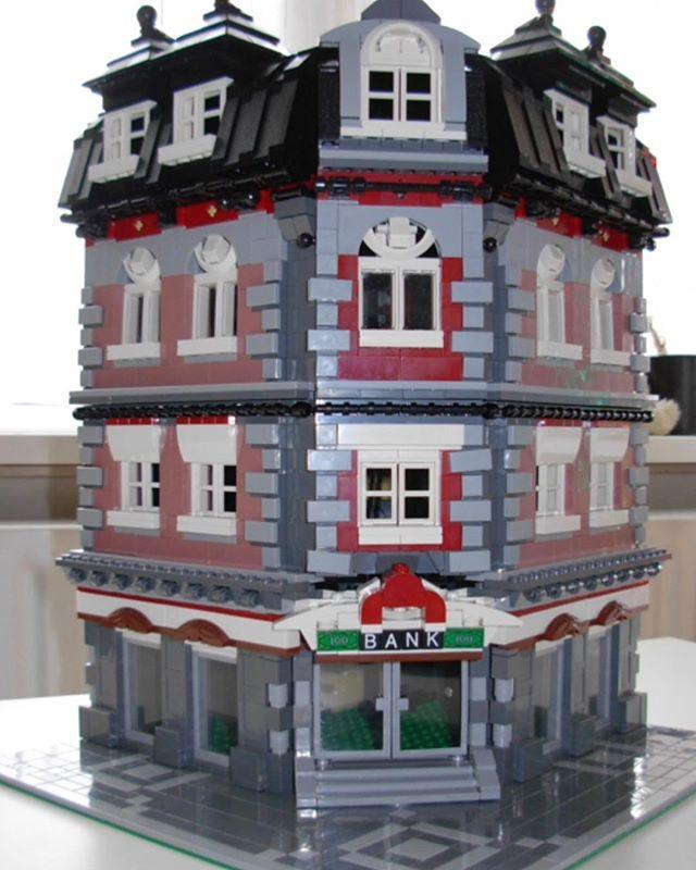 Corner Bank MOC (LEGO Modular – unofficial) | Lions Gate Models