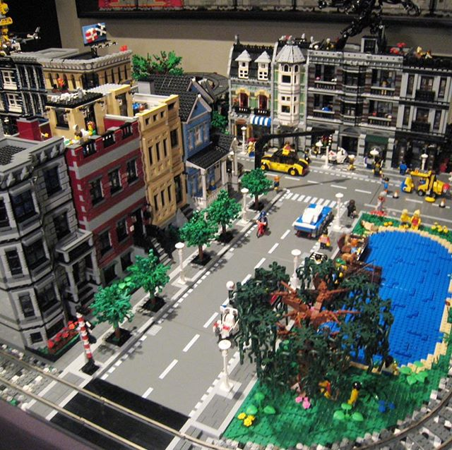 LEGO City Layout with Lake | Lions Gate Models