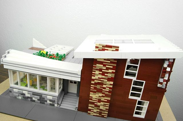 Modern LEGO House | Lions Gate Models